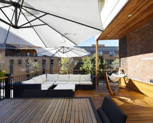 Aménager une terrasse sur le toit : 5 avantages | Rénovation Urbain Design